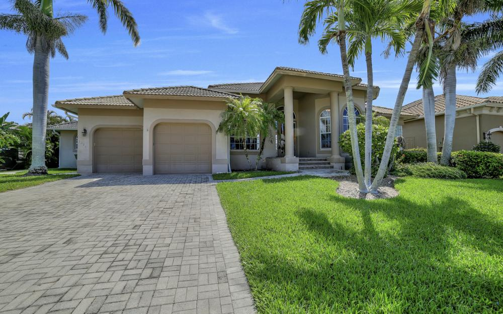 1221 Stone Ct, Marco Island - Home For Sale 706191862