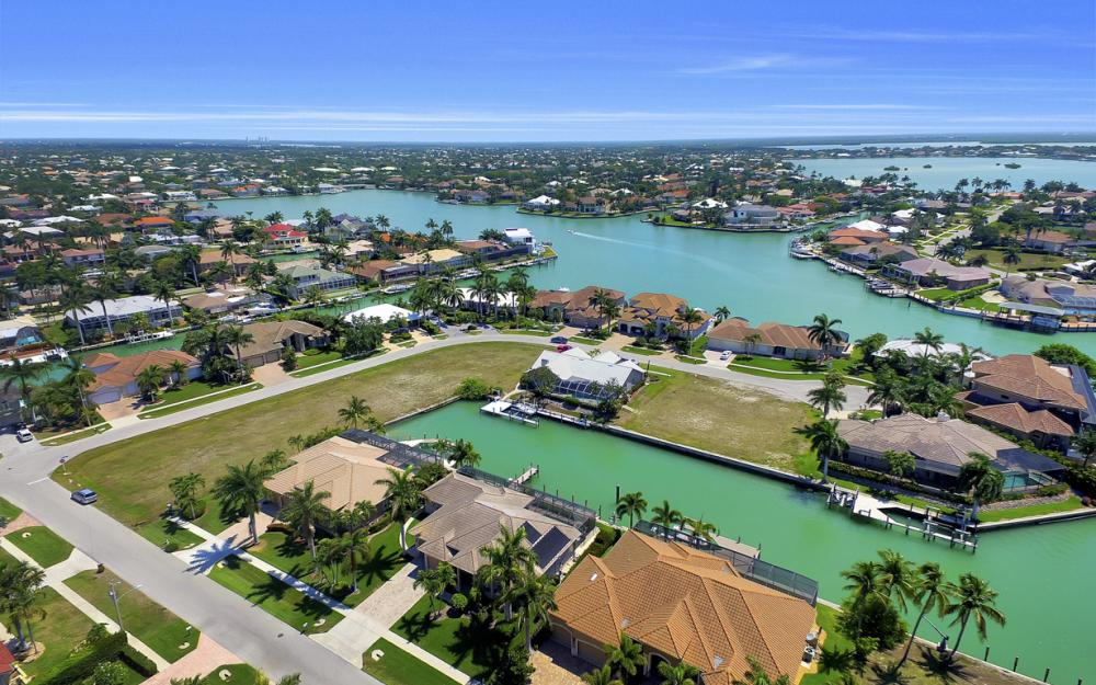 1221 Stone Ct, Marco Island - Home For Sale 1098527048