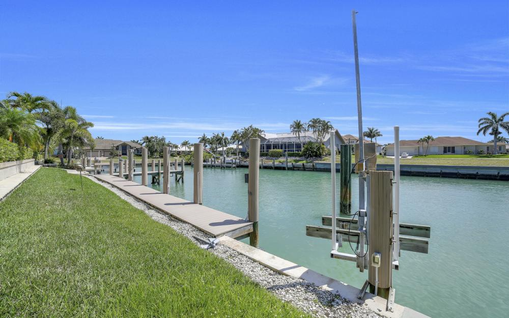 1221 Stone Ct, Marco Island - Home For Sale 2125657091