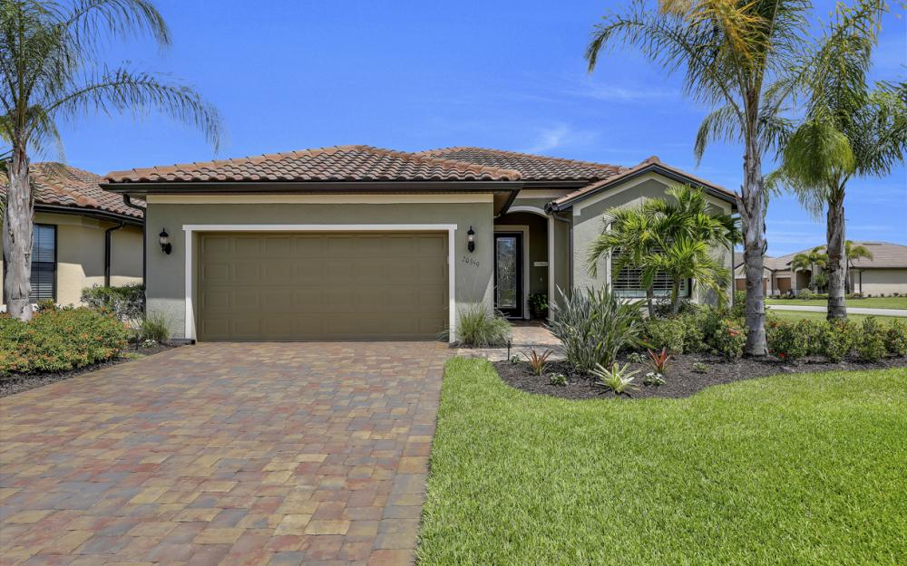 20359 Black Tree Ln, Estero - Home For Sale 1003927635