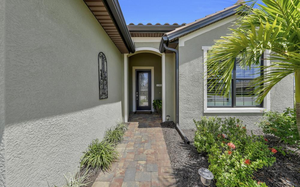 20359 Black Tree Ln, Estero - Home For Sale 1951213865