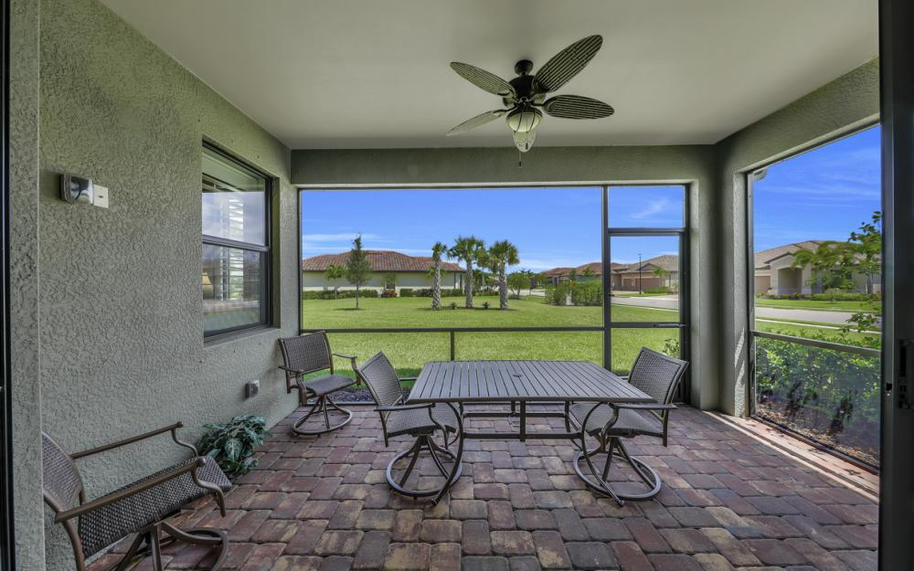 20359 Black Tree Ln, Estero - Home For Sale 531270609