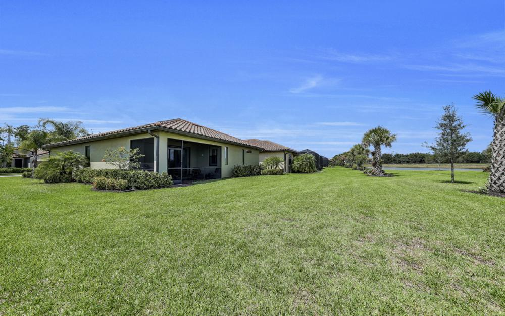 20359 Black Tree Ln, Estero - Home For Sale 1152845265