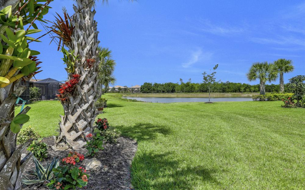 20359 Black Tree Ln, Estero - Home For Sale 415764133