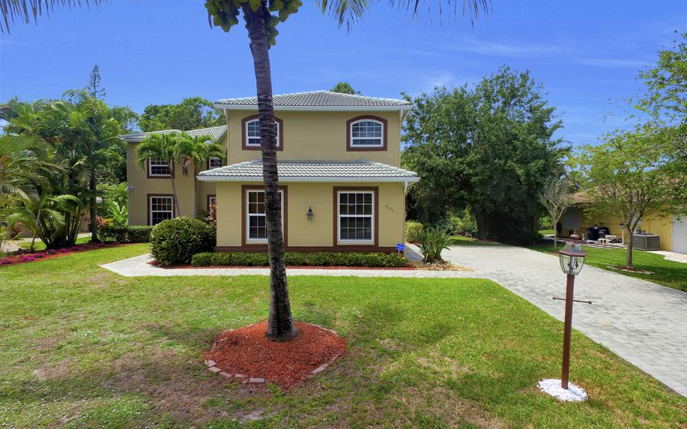 4897 Berkeley Dr, Naples - Home For Sale 1013636078