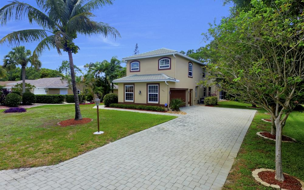 4897 Berkeley Dr, Naples - Home For Sale 349866757