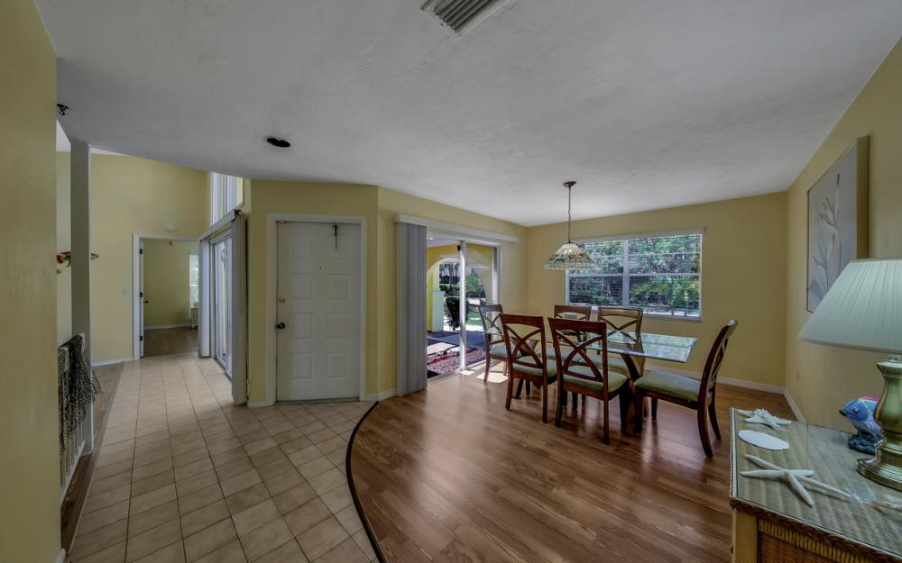 12315 McGregor Woods Cir, Fort Myers - Home For Sale 515614534