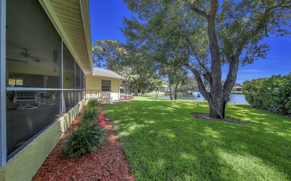 12315 McGregor Woods Cir, Fort Myers - Home For Sale 32639281