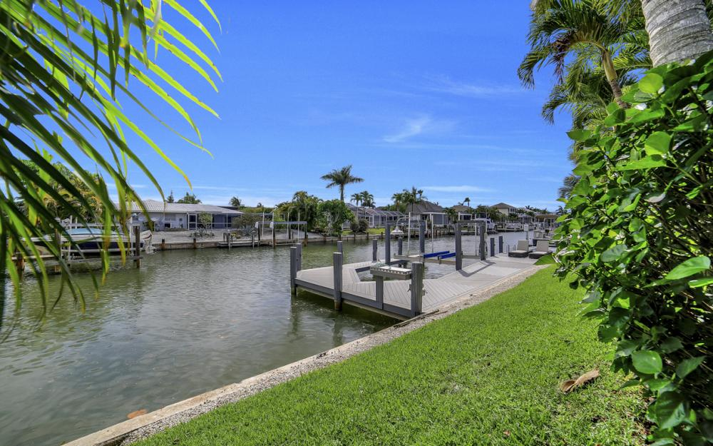 293 N Barfield Dr, Marco Island - Home For Sale 57161728
