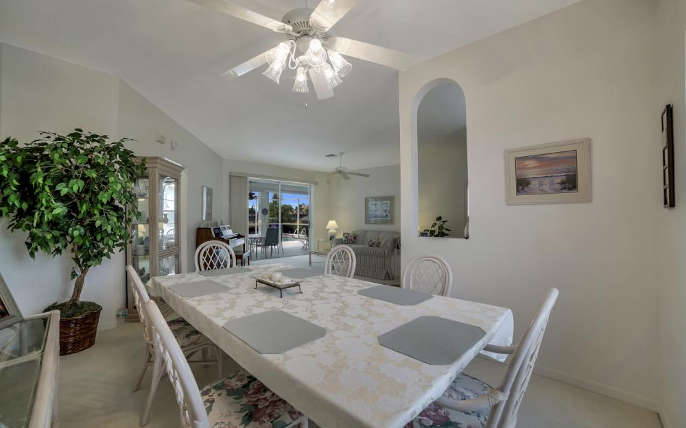 5200 SW 22nd Pl, Cape Coral - Home For Sale 2052457237