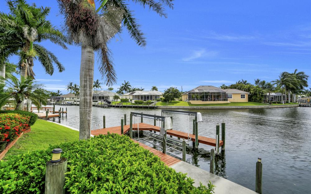 5200 SW 22nd Pl, Cape Coral - Home For Sale 422628909