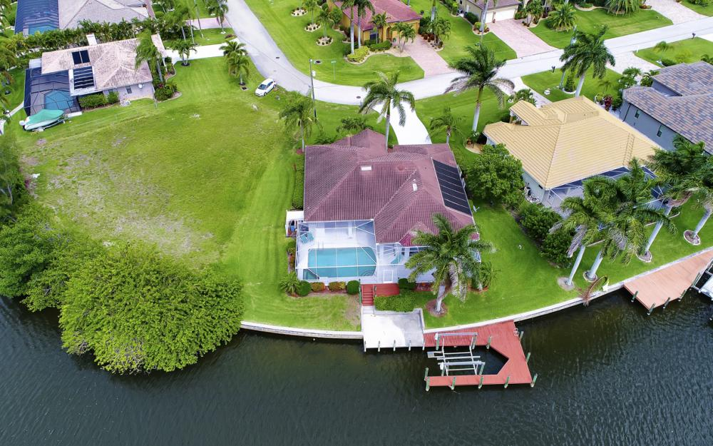 5200 SW 22nd Pl, Cape Coral - Home For Sale 450218006