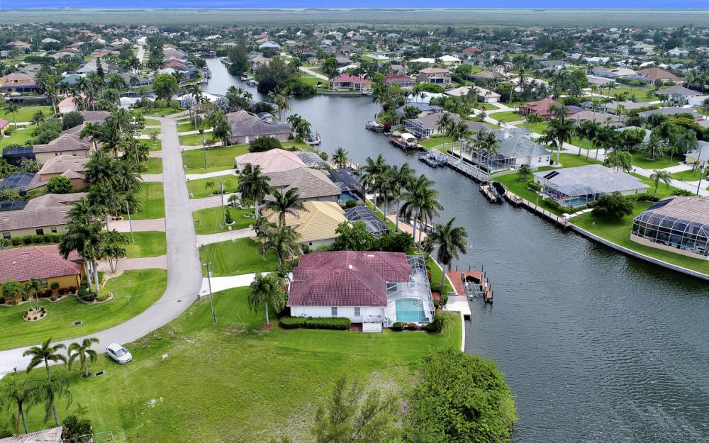 5200 SW 22nd Pl, Cape Coral - Home For Sale 533652910
