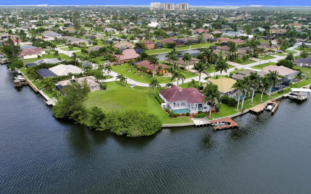 5200 SW 22nd Pl, Cape Coral - Home For Sale 2011391070