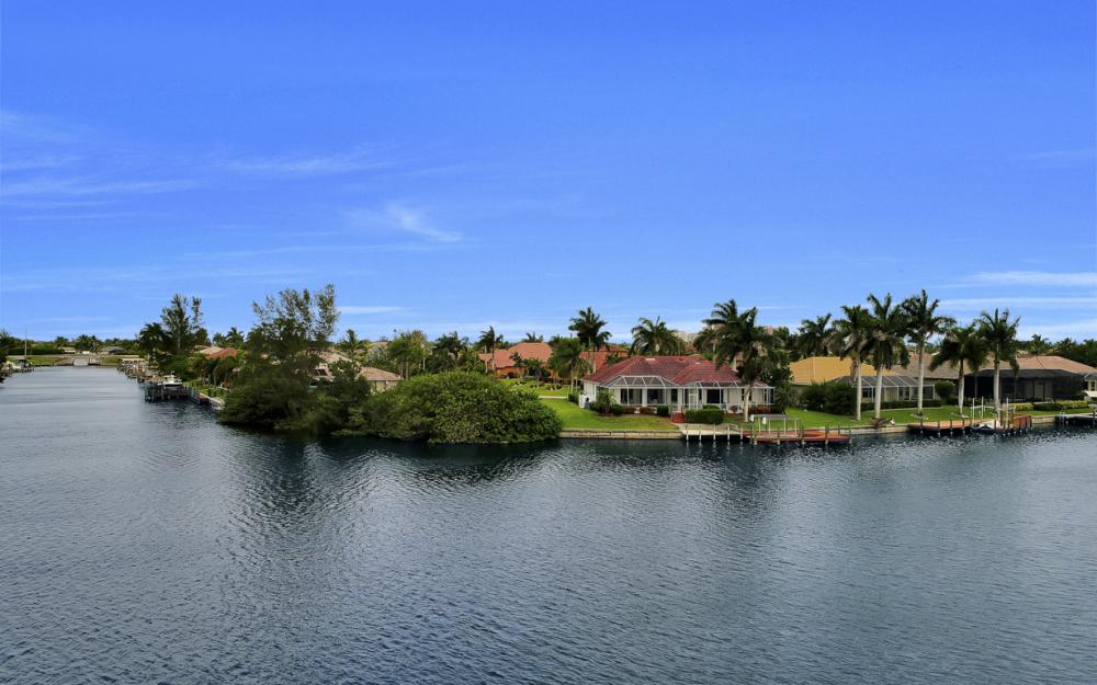 5200 SW 22nd Pl, Cape Coral - Home For Sale 63737622