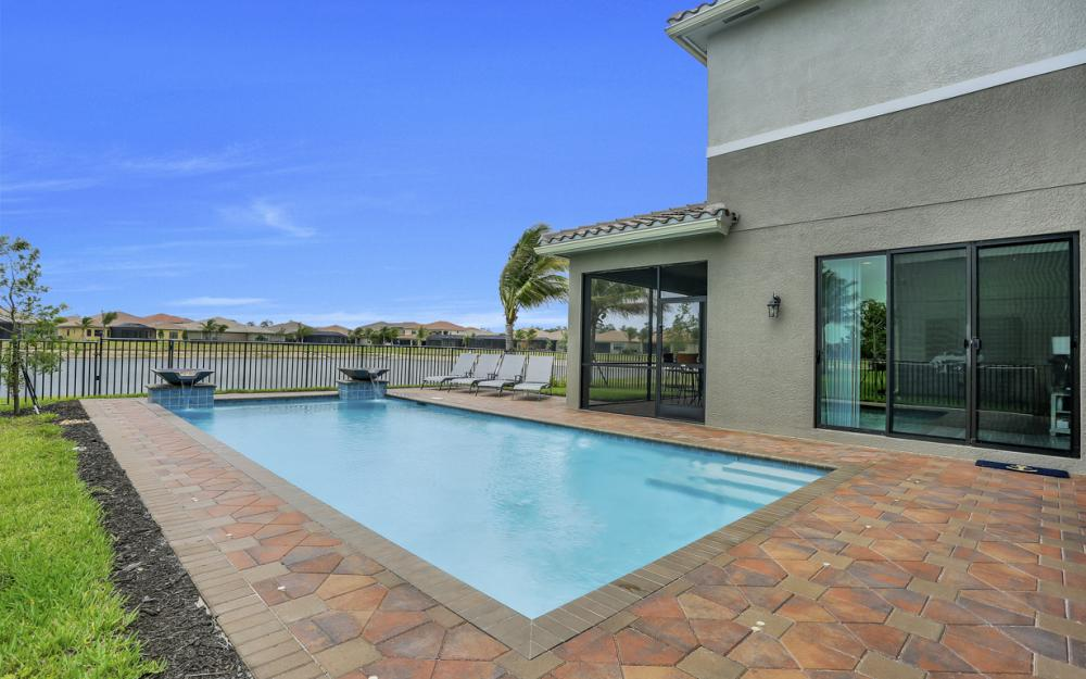 2805 Cinnamon Bay Cir, Naples - Home For Sale 298291695