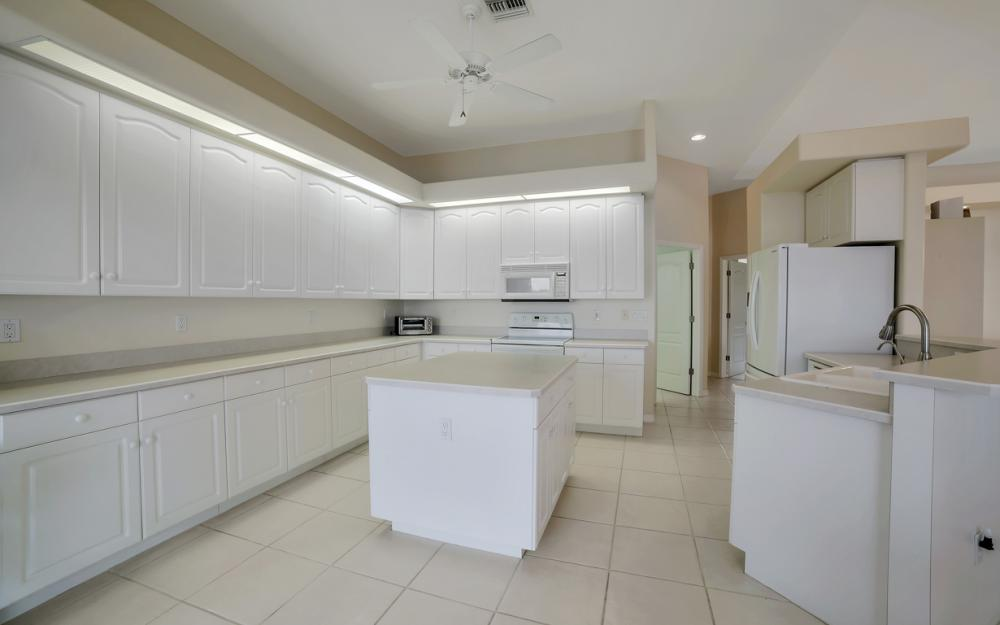 5011 SW 5th Pl, Cape Coral - Home For Sale 39000547