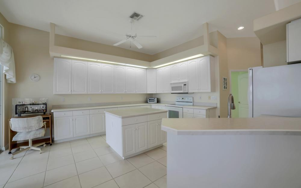 5011 SW 5th Pl, Cape Coral - Home For Sale 1213548265