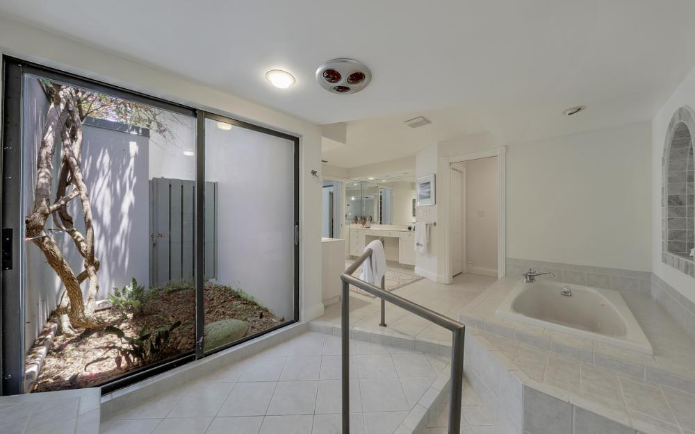12856 Valewood Dr, Naples - Luxury Home For Sale 331710483