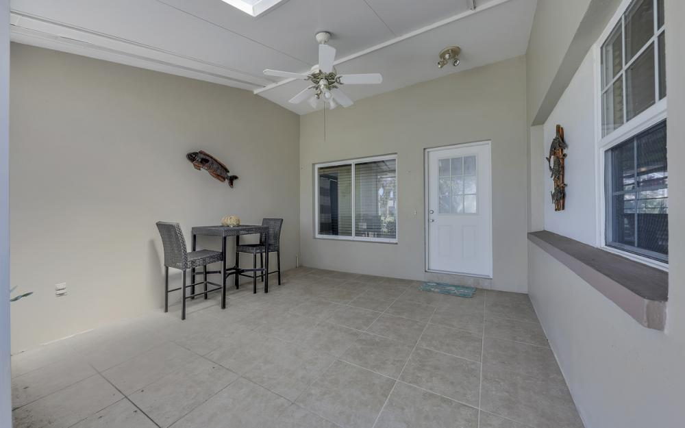 1131 Lucerne Ave, Cape Coral, FL 33904 2016787808