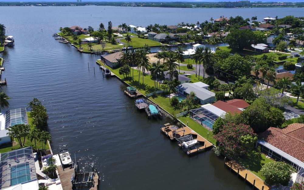 1131 Lucerne Ave, Cape Coral, FL 33904 1301169064