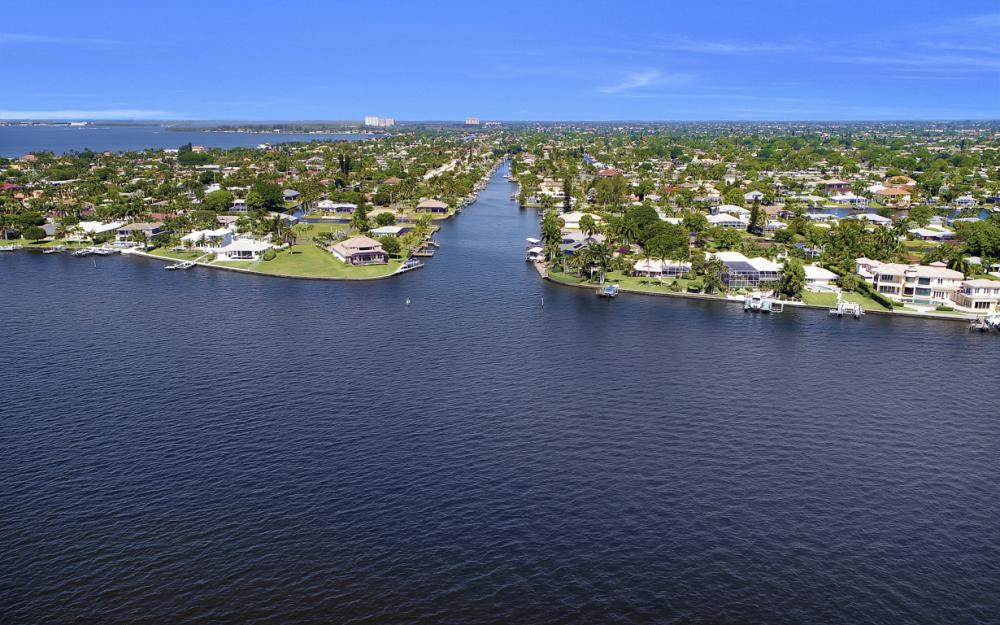 1131 Lucerne Ave, Cape Coral, FL 33904 46422297