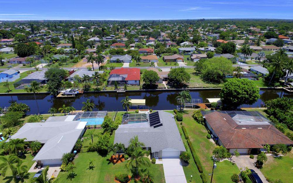 2119 SE 16th St, Cape Coral - Home For Sale 1955060938
