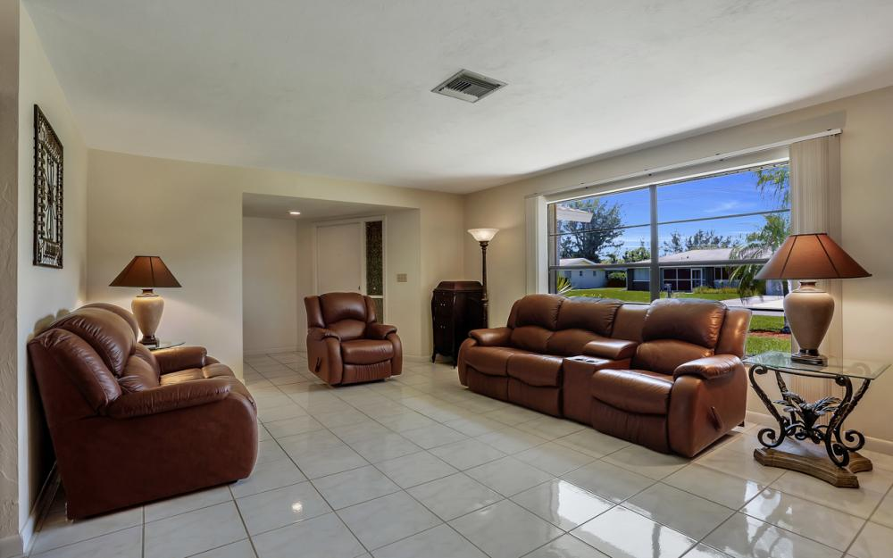 2119 SE 16th St, Cape Coral - Home For Sale 758244535