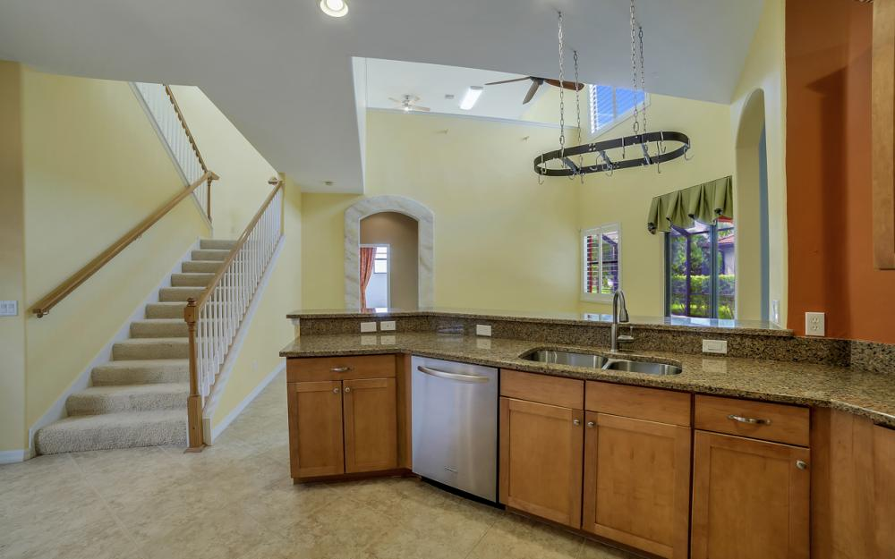 12687 Kentwood Ave, Fort Myers - Home For Sale 1022931853