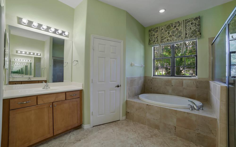 12687 Kentwood Ave, Fort Myers - Home For Sale 1453703080
