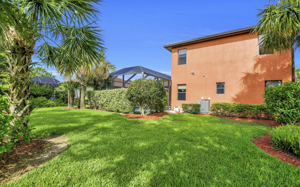 12687 Kentwood Ave, Fort Myers - Home For Sale 1024097526