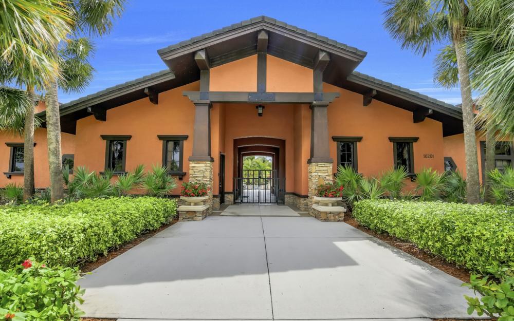 12687 Kentwood Ave, Fort Myers - Home For Sale 781931203