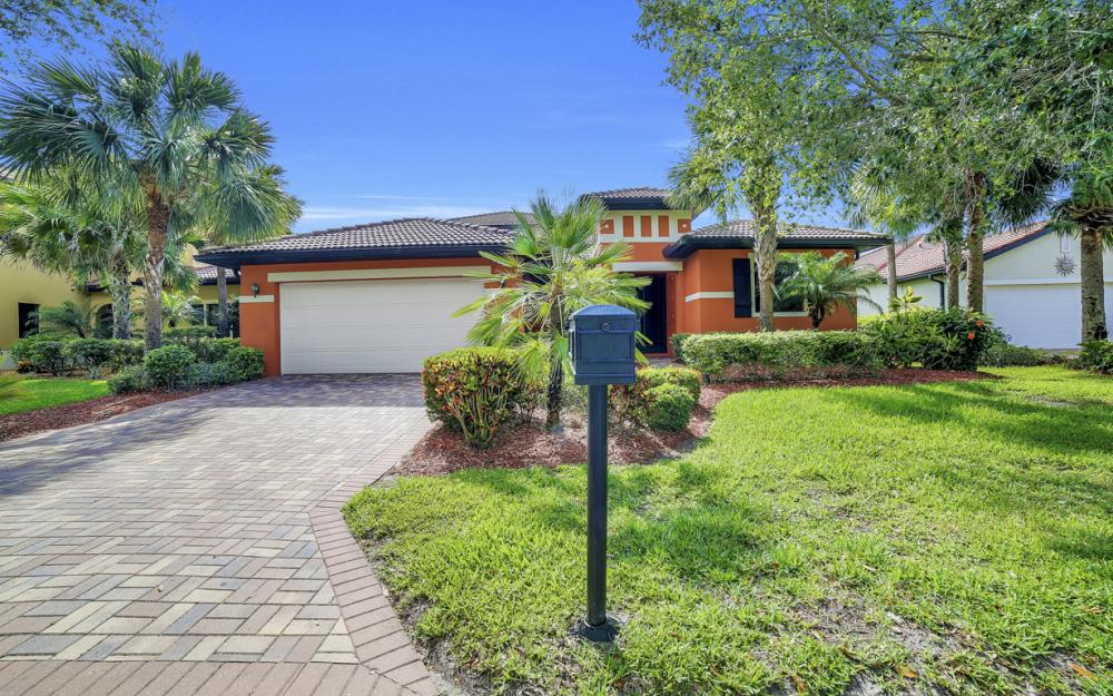 12687 Kentwood Ave, Fort Myers - Home For Sale 101373254