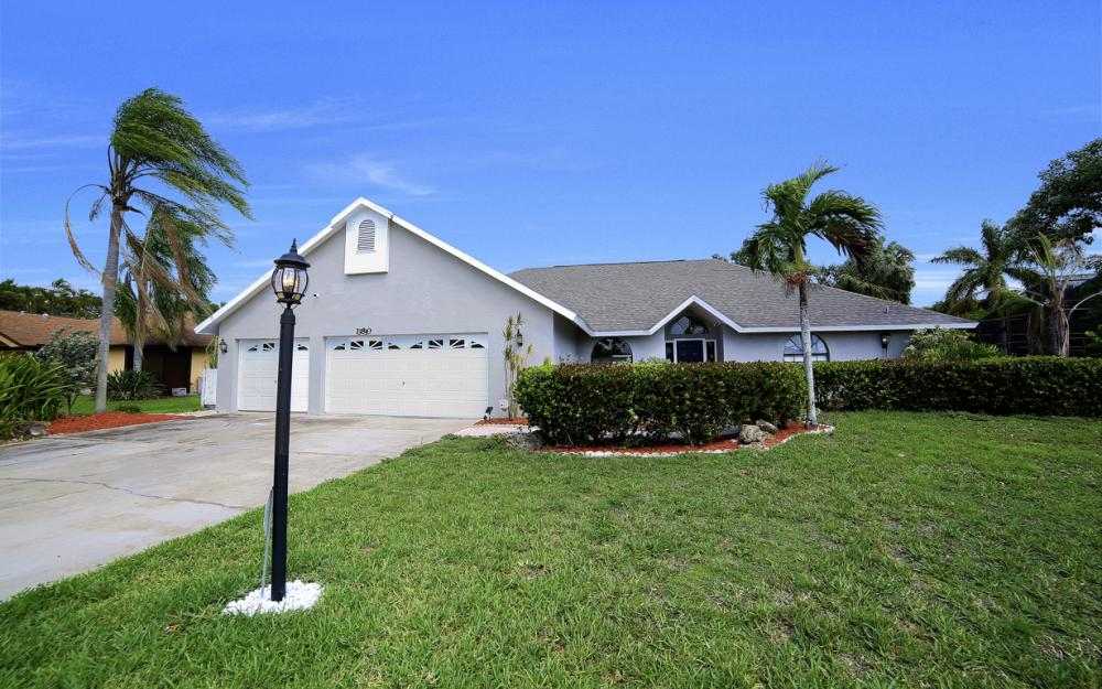 13810 McGregor Blvd, Fort Myers - Home For Sale 1684513631
