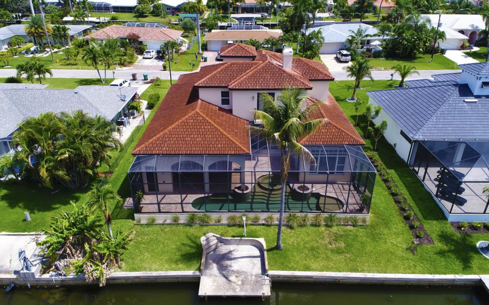 122 SW 52nd Ter, Cape Coral - Luxury Home For Sale 720725221