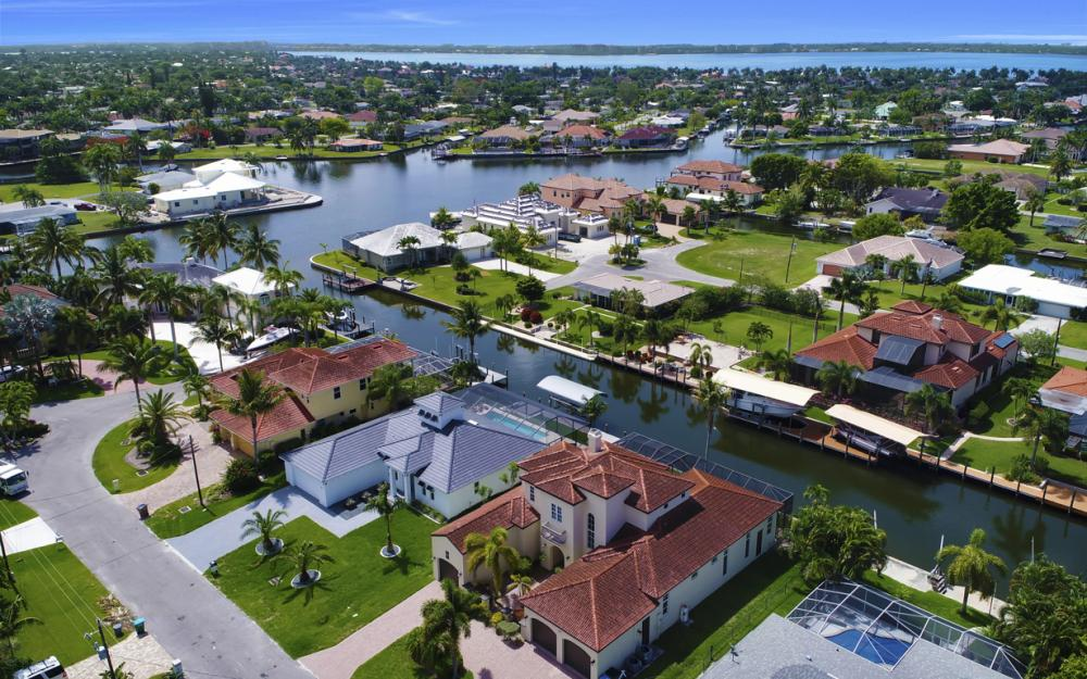 122 SW 52nd Ter, Cape Coral - Luxury Home For Sale 1413720805