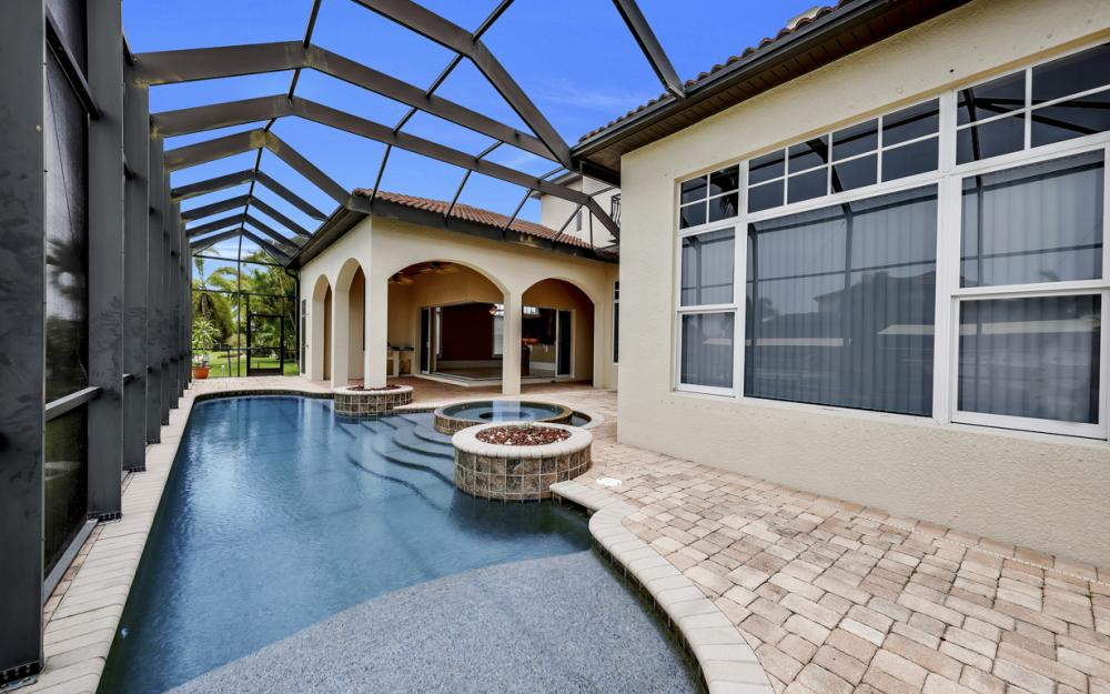 122 SW 52nd Ter, Cape Coral - Luxury Home For Sale 663985989