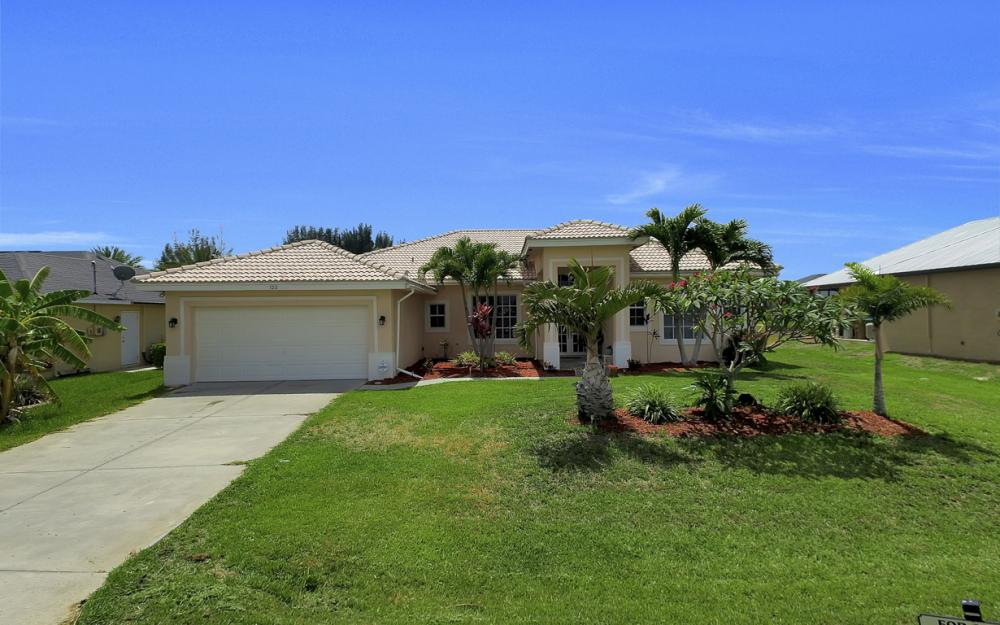 122 SW 33rd Ave, Cape Coral - House For Sale 68135472
