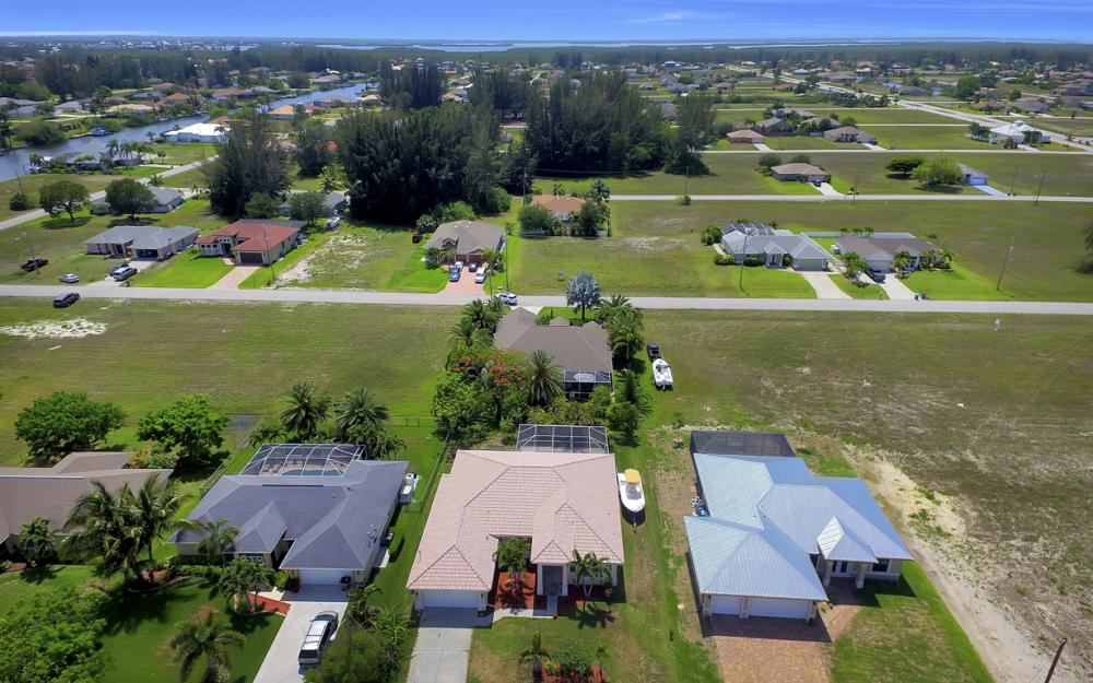 122 SW 33rd Ave, Cape Coral - House For Sale 592532753