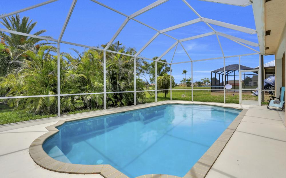 122 SW 33rd Ave, Cape Coral - House For Sale 558023293