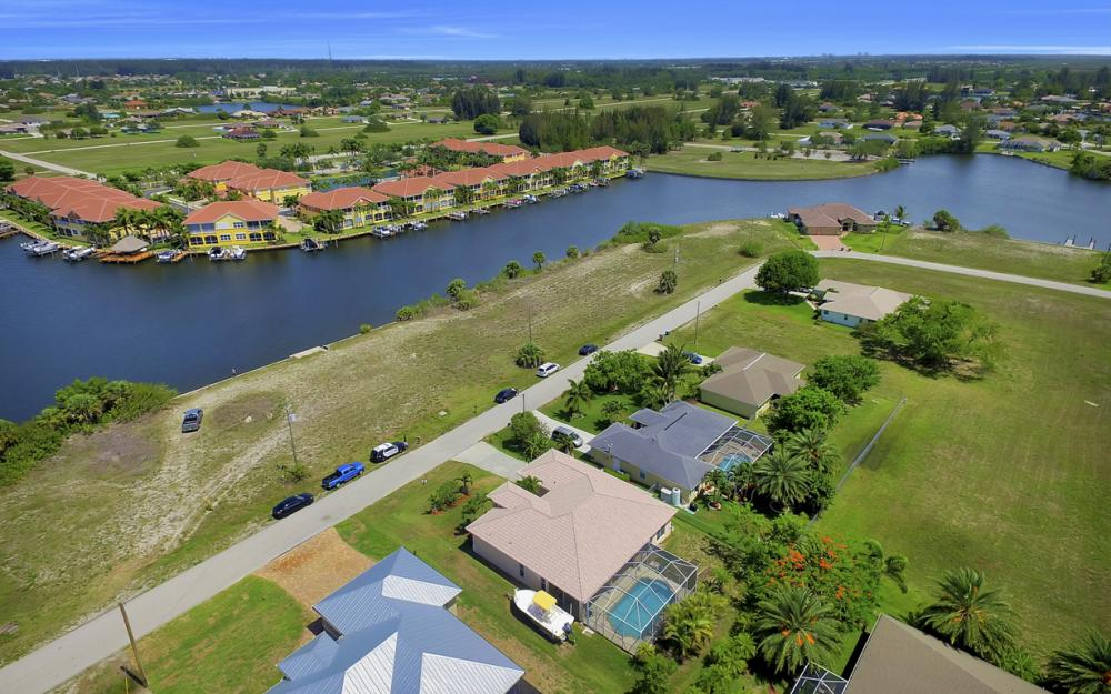 122 SW 33rd Ave, Cape Coral - House For Sale 1497251642