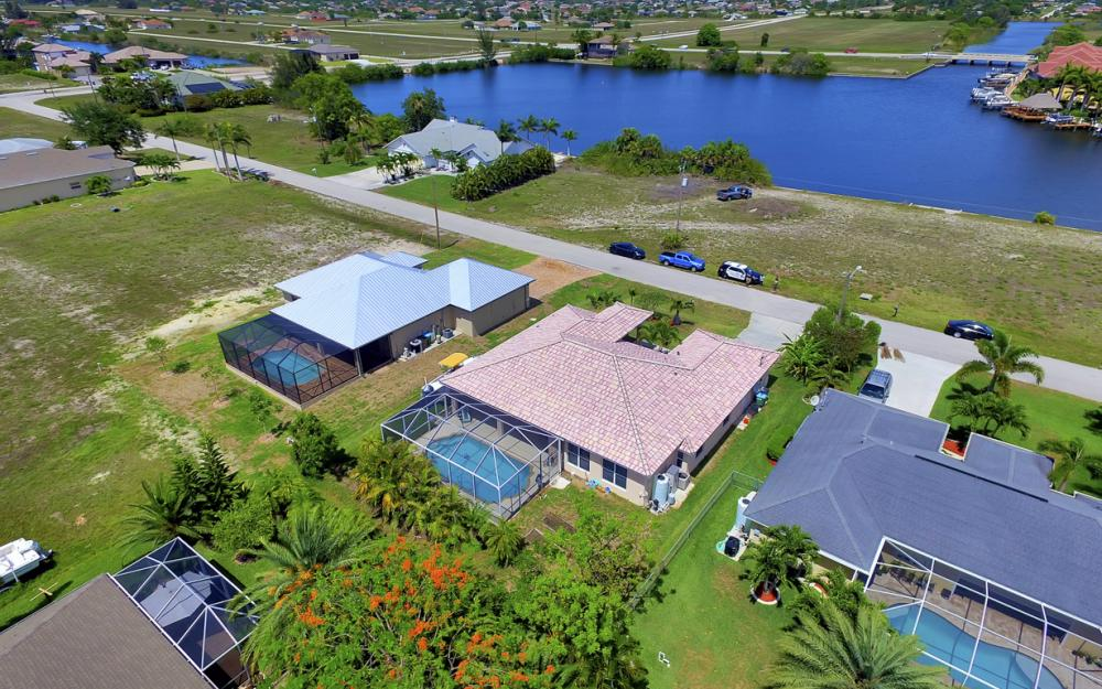 122 SW 33rd Ave, Cape Coral - House For Sale 2104154185