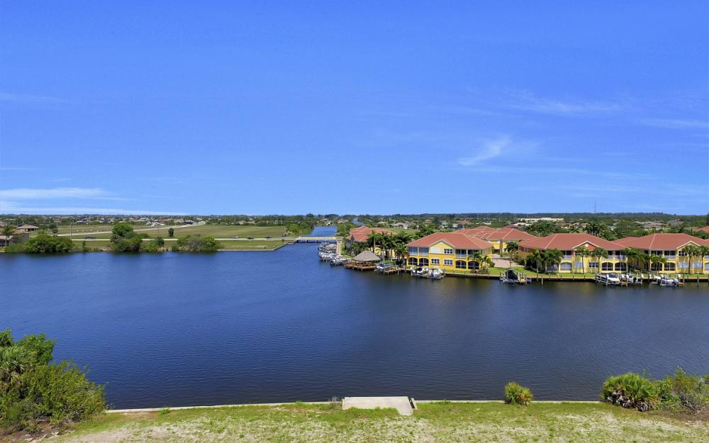 122 SW 33rd Ave, Cape Coral - House For Sale 2031852896