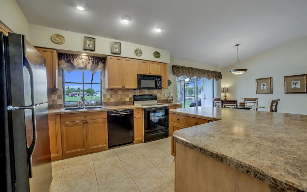1441 SE 21st St, Cape Coral - Home For Sale 625132734