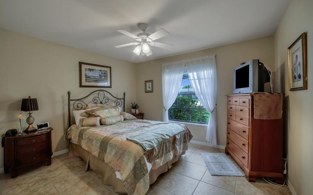 1441 SE 21st St, Cape Coral - Home For Sale 936378155