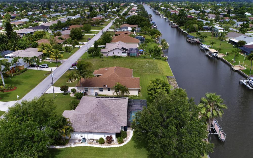 1441 SE 21st St, Cape Coral - Home For Sale 1400393343