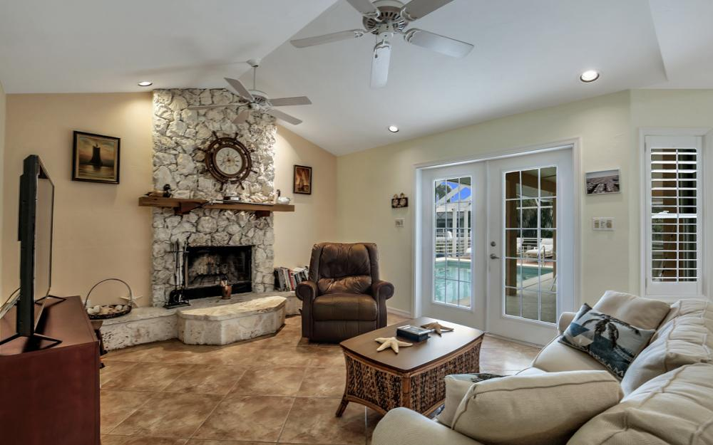 1184 Whiteheart Ct, Marco Island - Home For Sale 1541269118