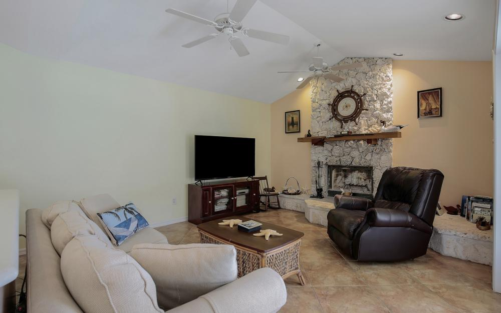 1184 Whiteheart Ct, Marco Island - Home For Sale 1768195848