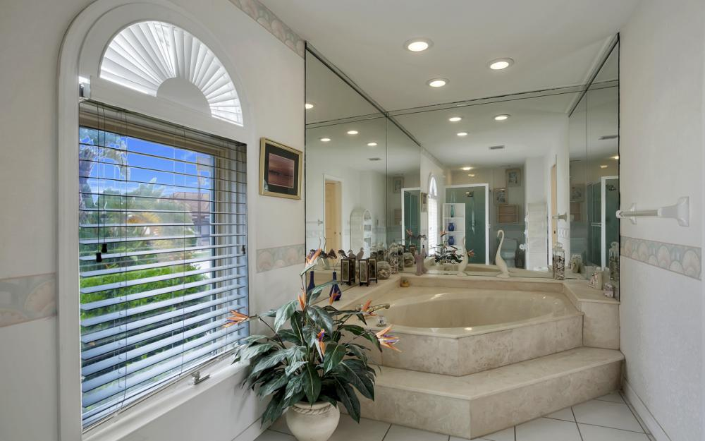 1184 Whiteheart Ct, Marco Island - Home For Sale 914709679