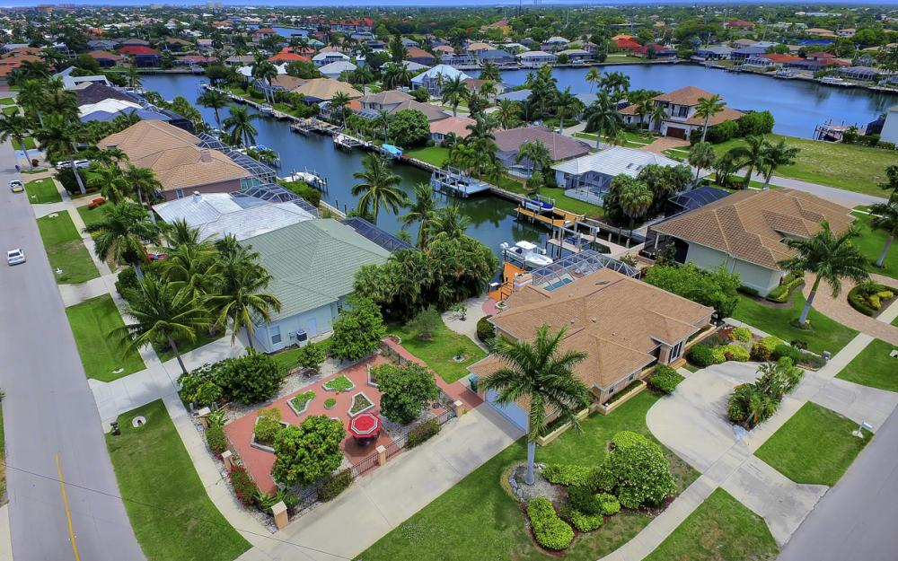 1184 Whiteheart Ct, Marco Island - Home For Sale 710203597